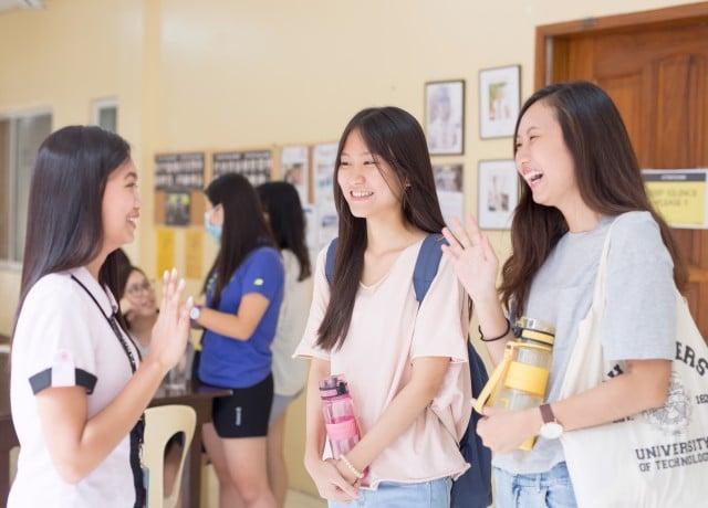 外国人学生や講師との交流が盛んな充実の英語環境!