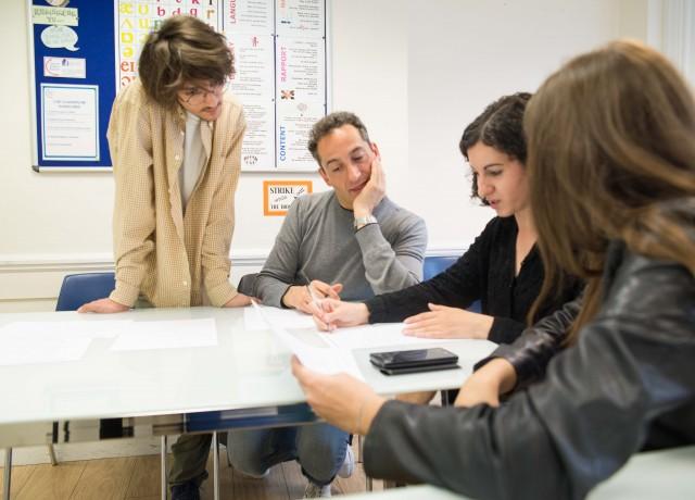 ビジネススキルも試験対策も頑張った分だけ成長。やりがいのある学習環境