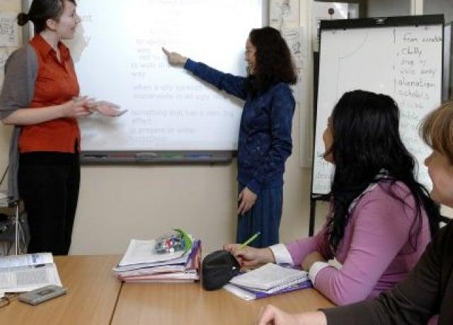 ロンドンセントラル校では初級者から上級者向けまで様々なコースを提供