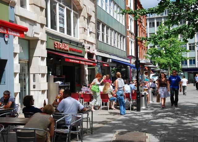 魅惑のロンドン中心部!賑わうOxford Circusまで徒歩数分の大都会へ留学
