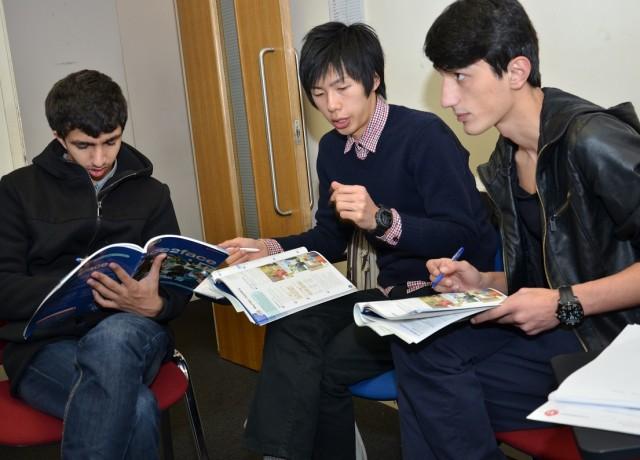世界各国から集まる留学生と交流