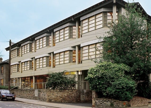 ユーロセンター ケンブリッジの校舎外観