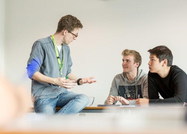 生徒の自主学習力と英語力向上を支える、献身的なサポートが魅力