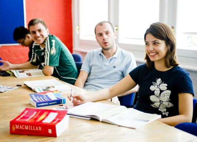 経験豊かなスタッフ・教師に相談できるので、現地で安心の留学生活が送れる