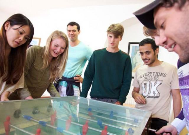 世界各国にキャンパスがあり、様々な国籍の留学生が集う多国籍な環境