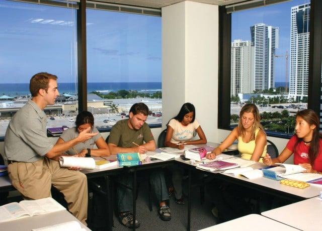 ビジネスコースで実践的な英語が学べる!