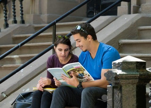 現地の大学と提携し、大学同時受講プログラムを開講している!