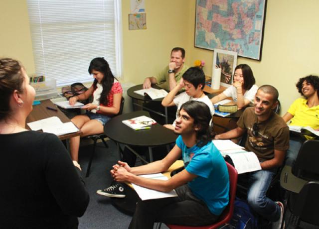 米国大学入学ならここ。大学内併設のTLCへようこそ!