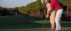 英語のレッスンに加え、ゴルフのレッスンが受けられる語学学校一覧です。